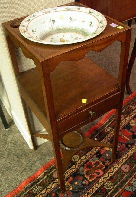 Regency Mahogany Washstand with a Chinese Export Porcelain Basin.