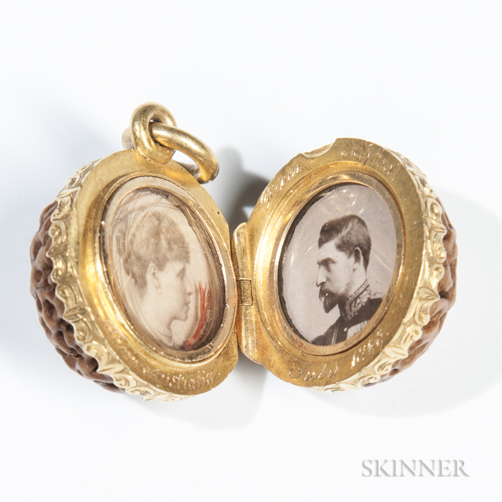 Continental Gold-mounted Pendant