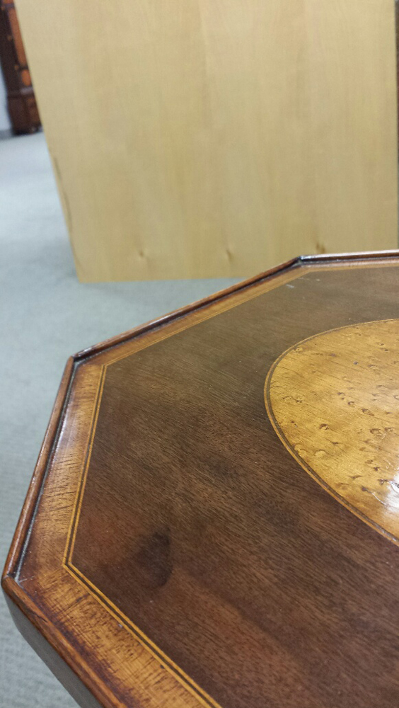 Federal-style Inlaid Mahogany Tilt-top Candlestand