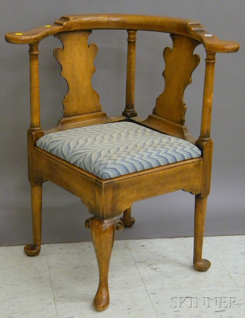 Queen Anne-style Tiger Maple and Maple Roundabout Chair with Upholstered   Slip Seat