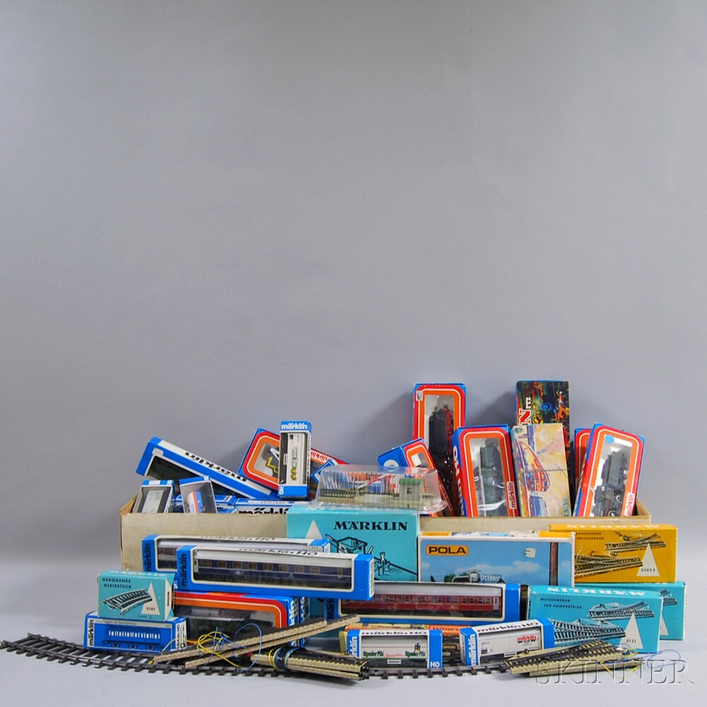 Model Train Supplies : Large group of mostly marklin model trains and accessories