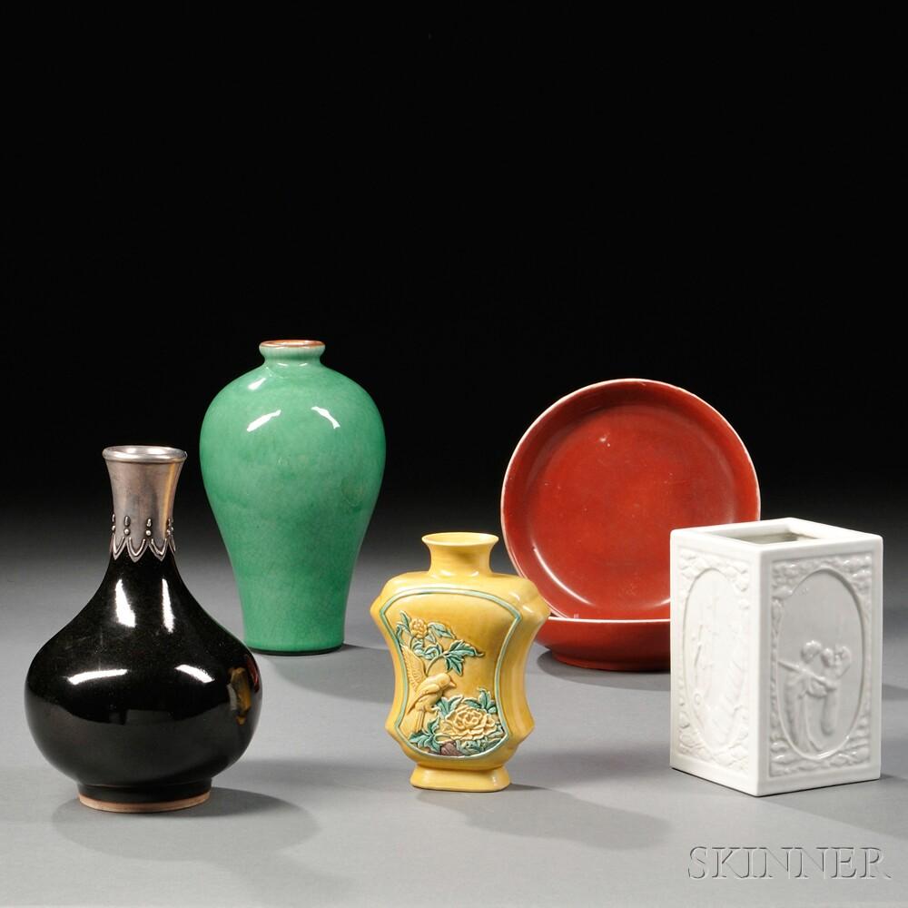Six Monochrome Porcelain Items