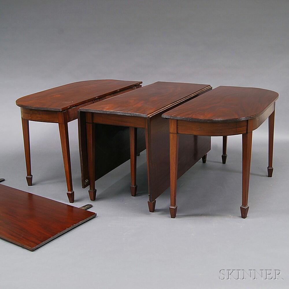 Federal Inlaid Mahogany and Mahogany Veneer Three-part Banquet Table