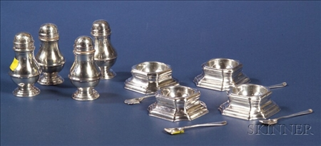 Set of Four English Queen Anne-style Trencher Salts and Bun Peppers