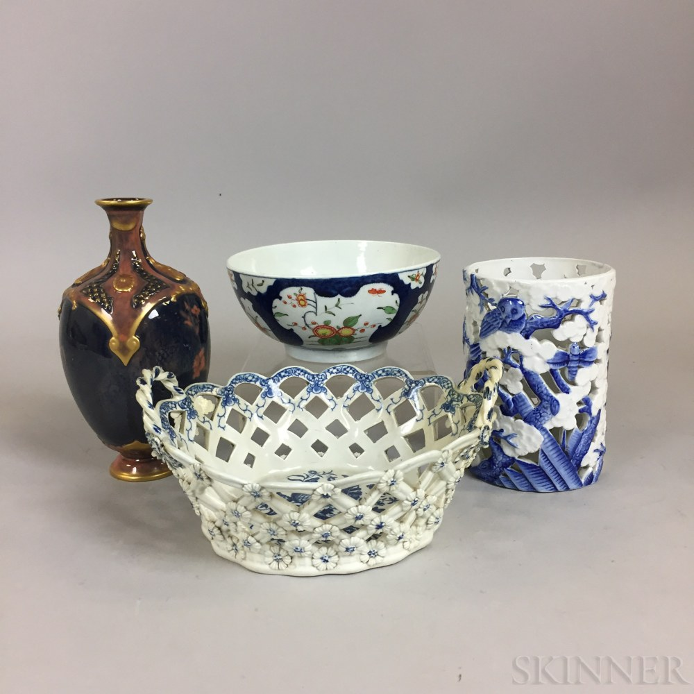 Four Worcester Ceramic and Porcelain Items