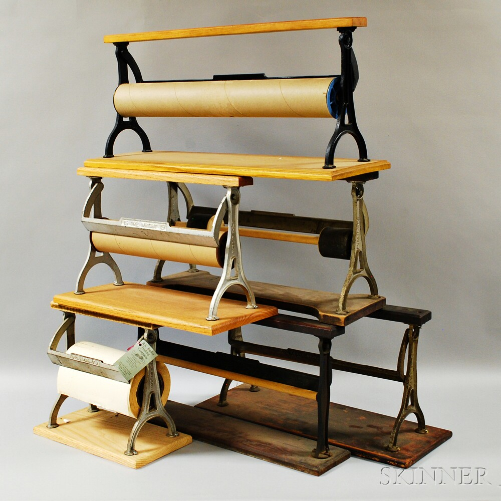 Christmas Tree Auction: Eight Wood And Iron Paper Holders, A Coffee Grinder, And A