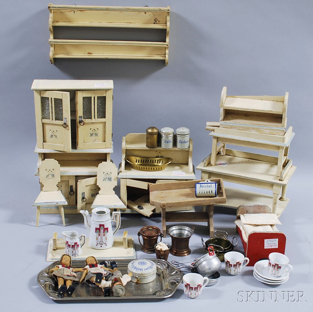 Assortment of Child's Toy Kitchen Items