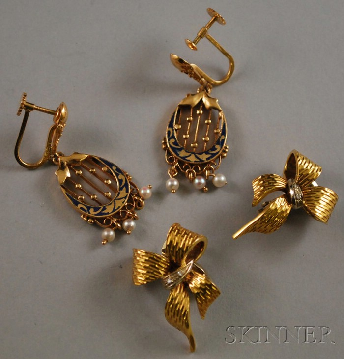 Two Pairs of 18kt Gold Earrings