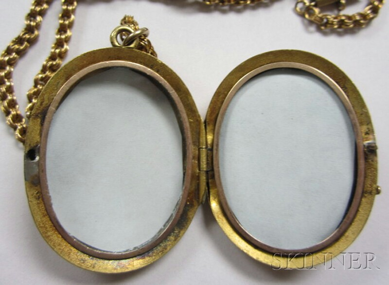 Two Antique Gold Jewelry Items