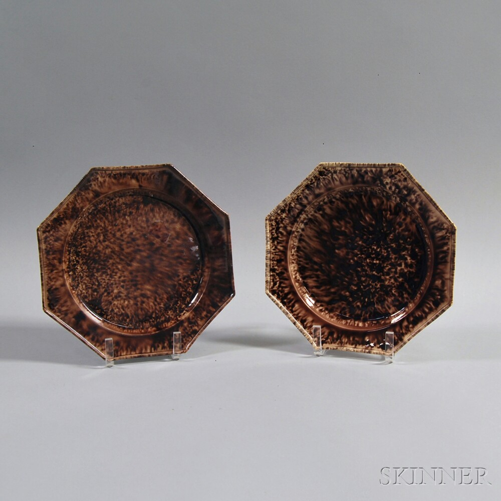 Pair of English Whieldon-type Staffordshire Octagonal Pottery Plates