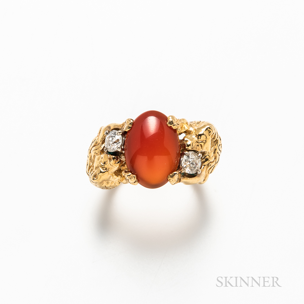18kt Gold, Carnelian, and Diamond Double Lion Ring