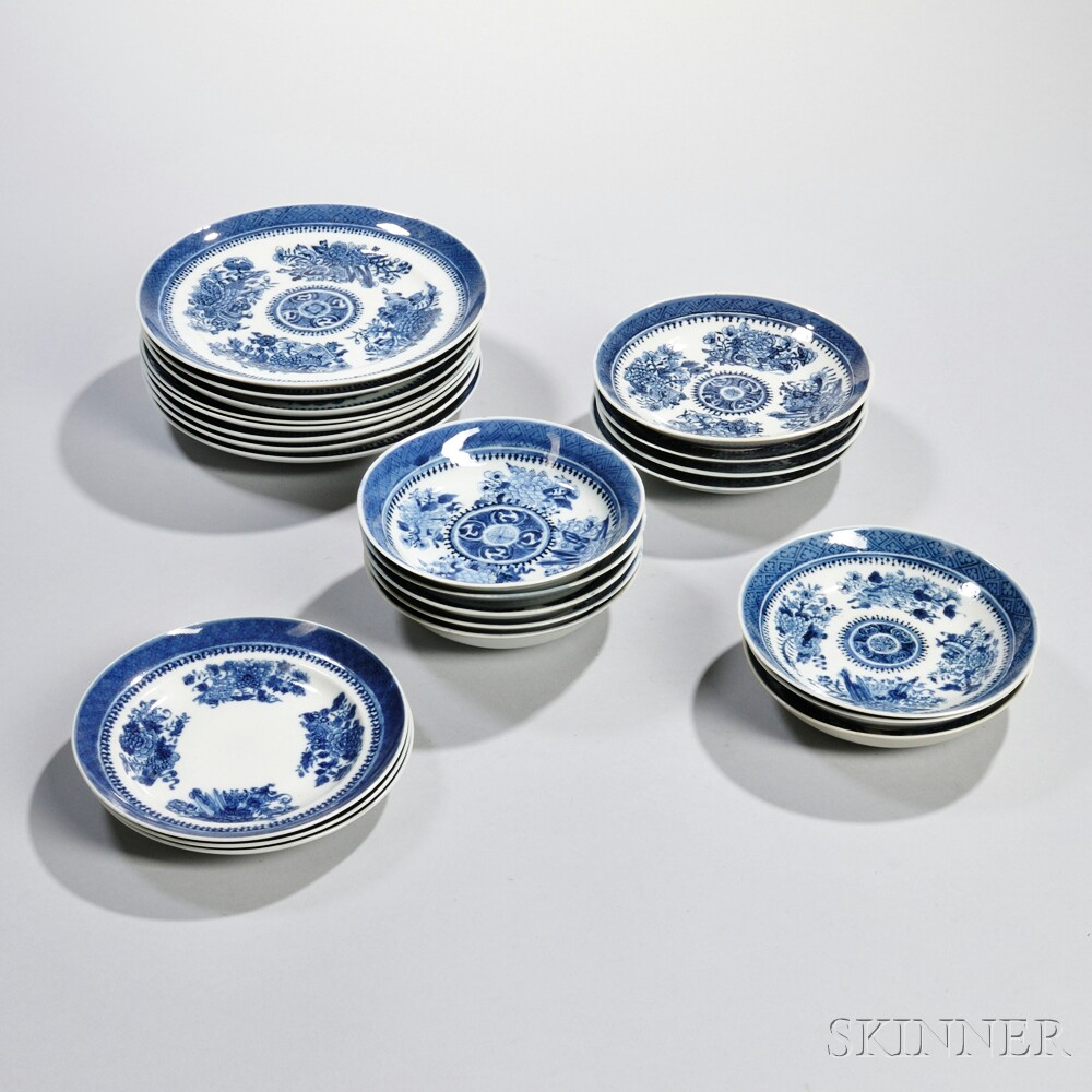 Twenty-three Fitzhugh Porcelain Dishes