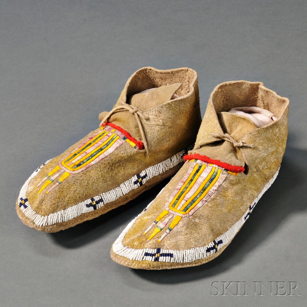 Central Plains Beaded and Quilled Man's Moccasins
