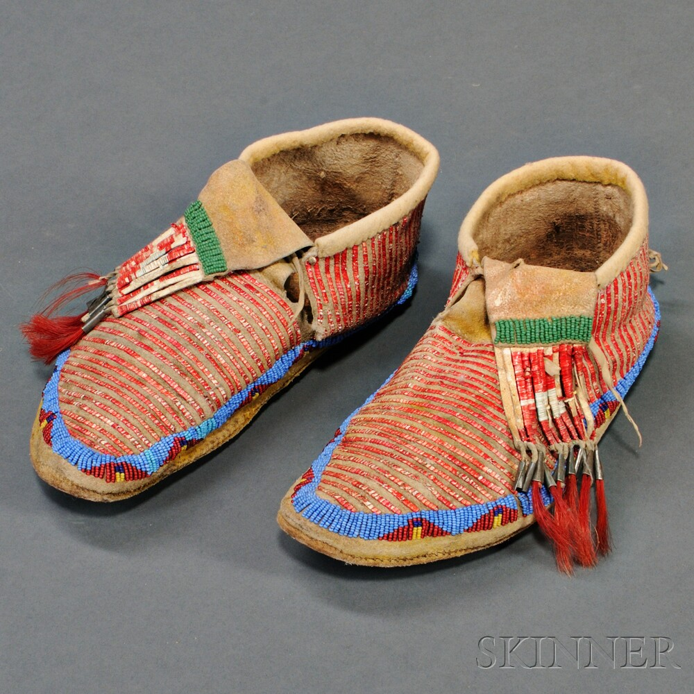 Lakota Beaded and Quilled Hide Man's Moccasins
