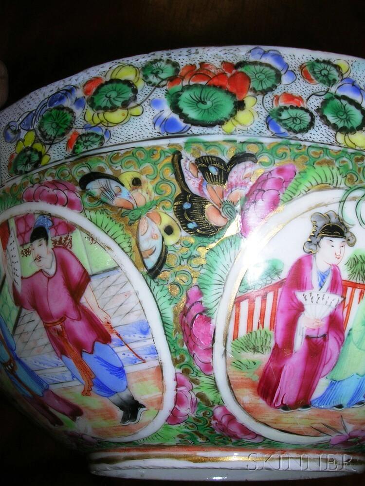 Rose Medallion-decorated Porcelain Bowl