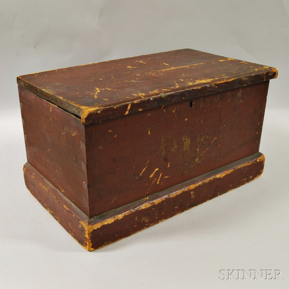 Small Red-painted Box