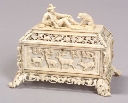 Finely Carved Continental Ivory Trinket Box