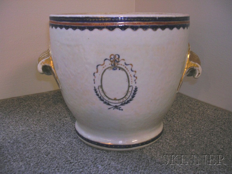 Chinese Export Porcelain Covered Fruit Cooler