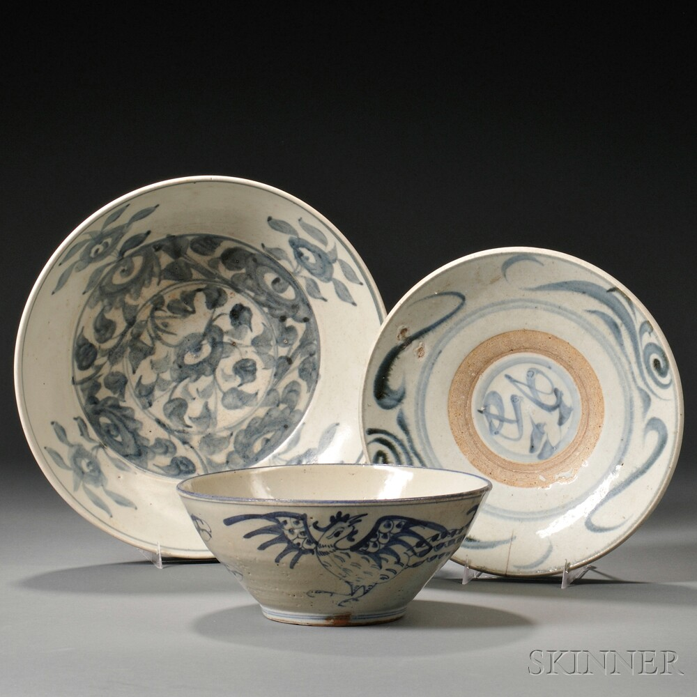 Three Blue and White Ming-style Tableware Items