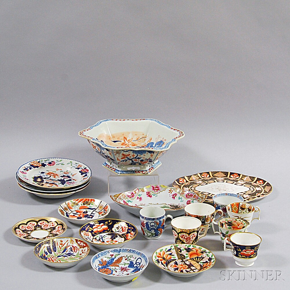 Nineteen Pieces of Imari and Imari-palette Porcelain