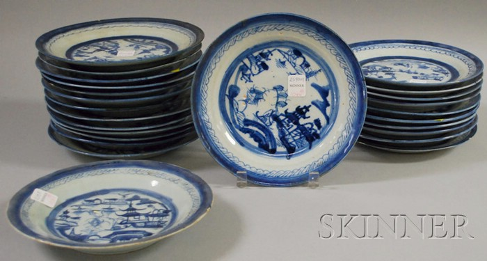 Twenty-five Chinese Export Porcelain Canton Plates