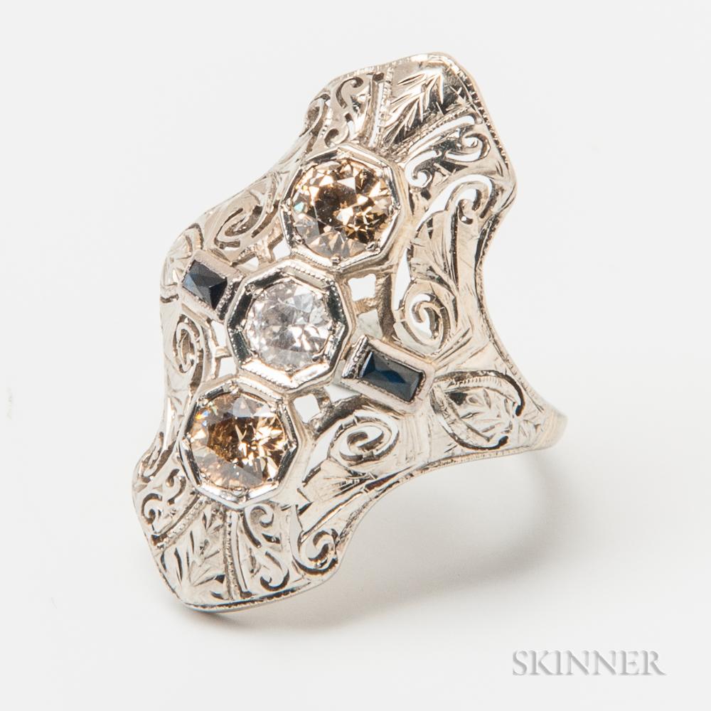 Art Deco 18kt White Gold and Diamond Three-stone Ring