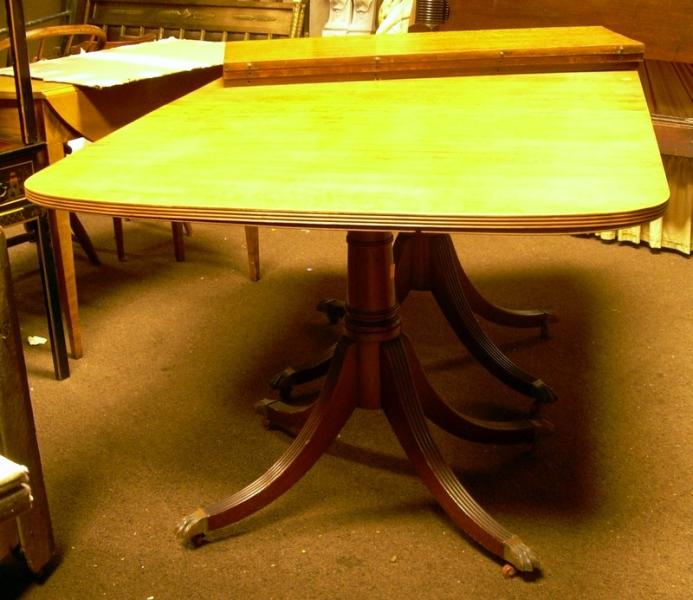 Georgian-style Mahogany Veneer Double-pedestal Dining Table.