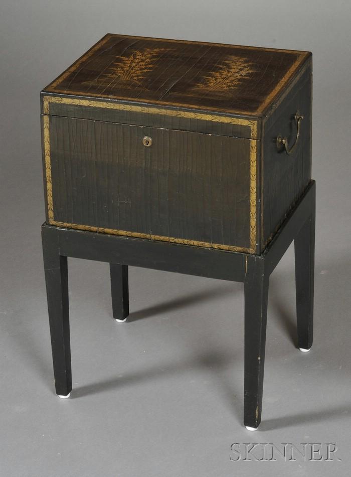 Lacquerware Tea Box on Stand