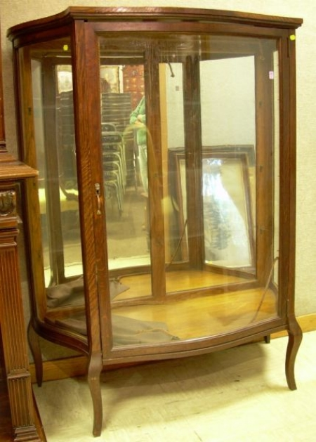 Sawyer, Walbridge and Briggs Oak and Curved Glass Mirrored   Display Cabinet