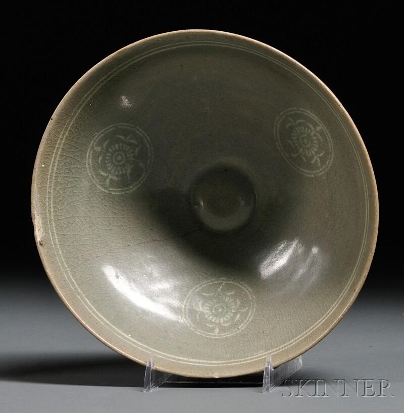 Inlaid Celadon Bowl