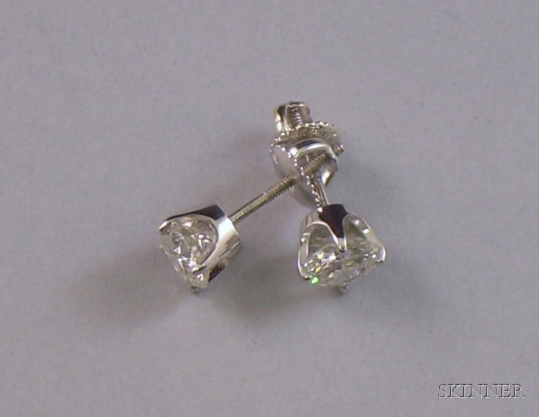 White Gold and Round Brilliant-cut Diamond Stud Earrings