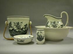 Wedgwood Queens Ware Liverpool Bird Transfer Decorated Five Piece Chamber Wash Set.