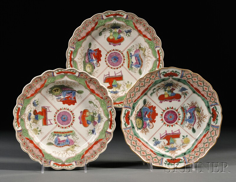 Three Chamberlain's Worcester Porcelain Dragon in Compartments Plates