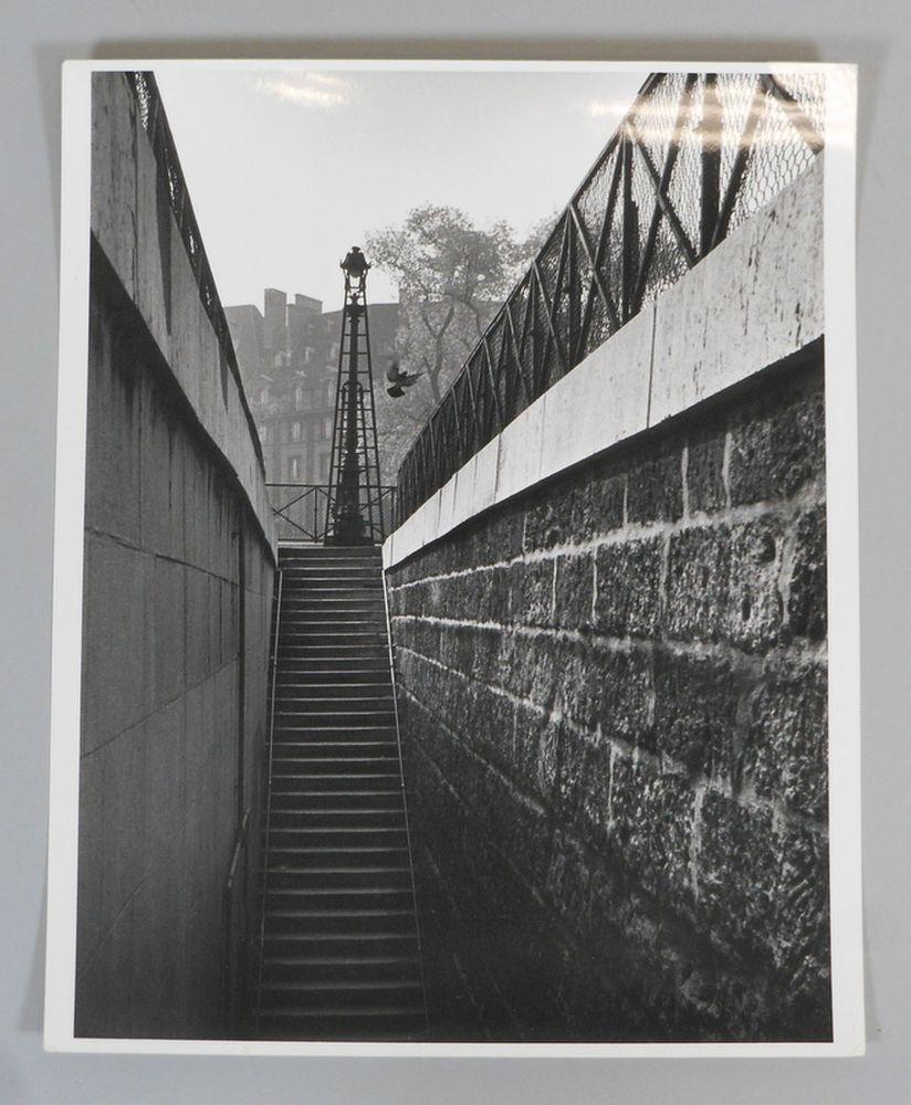 André Kertész (Hungarian/American, 1894-1985)      Vert Galant, Paris