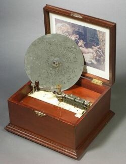 Perfection 10 3/8-Inch Disc Musical Box