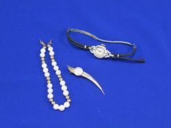 Waltham Art Deco Womans Watch, Pearl Bracelet, and a Pin.