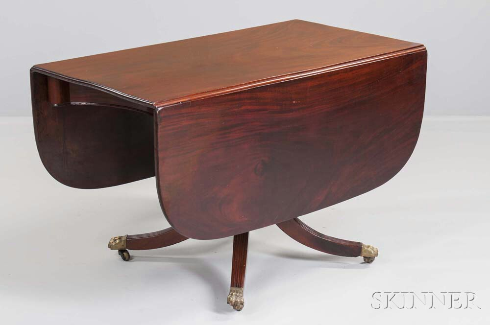 Federal Mahogany and Mahogany Veneer Table