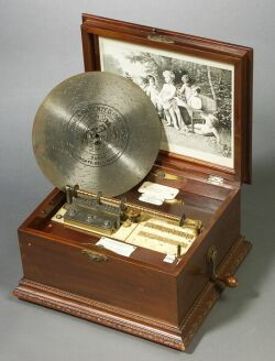 Imperial Symphonion No. 148 10 1/4-Inch Disc Musical Box