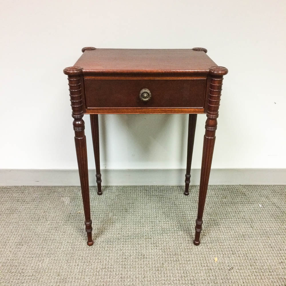 Federal-style Turned Mahogany One-drawer Stand