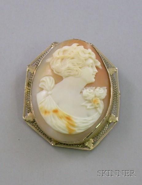 Edwardian 14kt Gold Framed Shell Carved Cameo Brooch