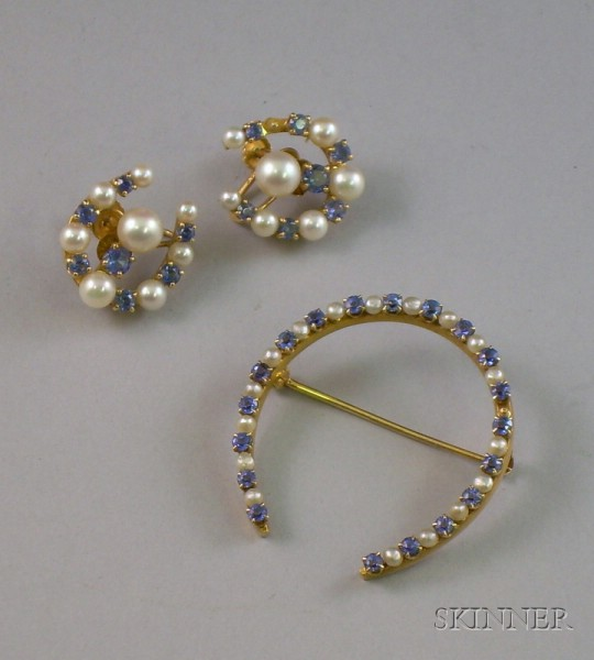 Krementz 14kt Gold, Sapphire and Seed Pearl Horseshoe Pin and a Pair of Similar Earrings.