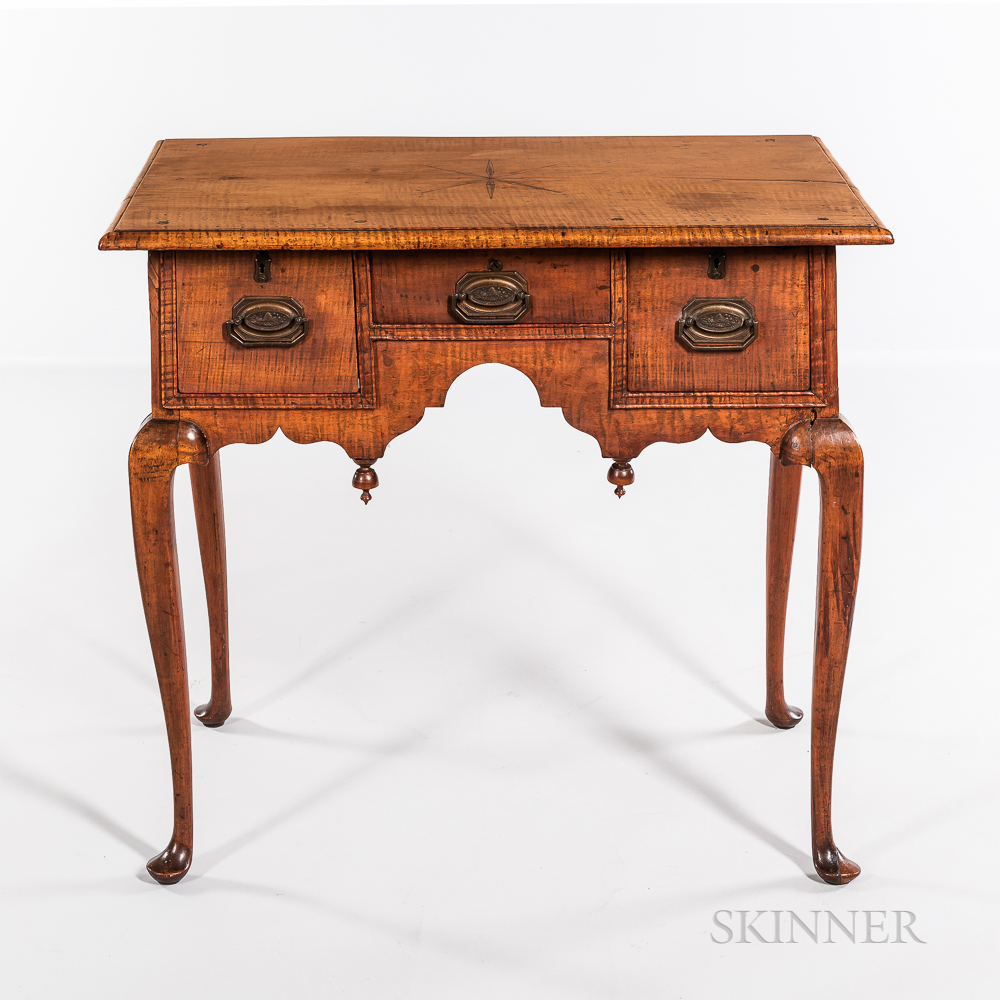Queen Anne Inlaid Tiger Maple Dressing Table