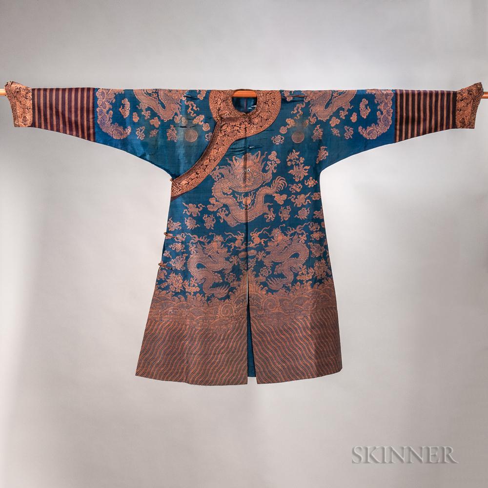 Man's Woven Silk Semiformal Robe