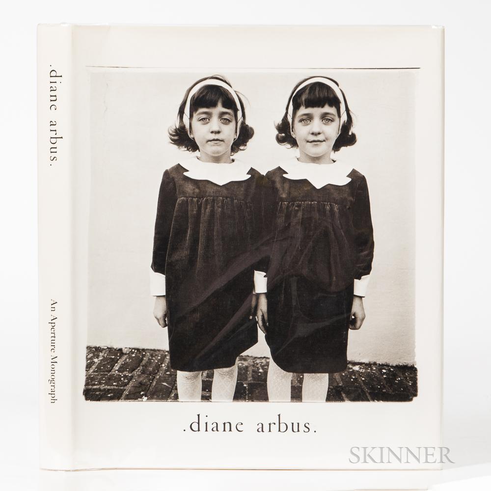 Arbus, Diane (1923-1971) Diane Arbus, An Aperture Monograph.