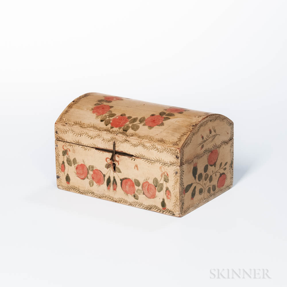 Floral-decorated Dome-top Box