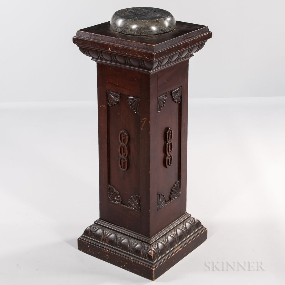 """Oak Odd Fellows """"FLT"""" Chain Link-decorated Pedestal with Marble Gavel Base Top"""