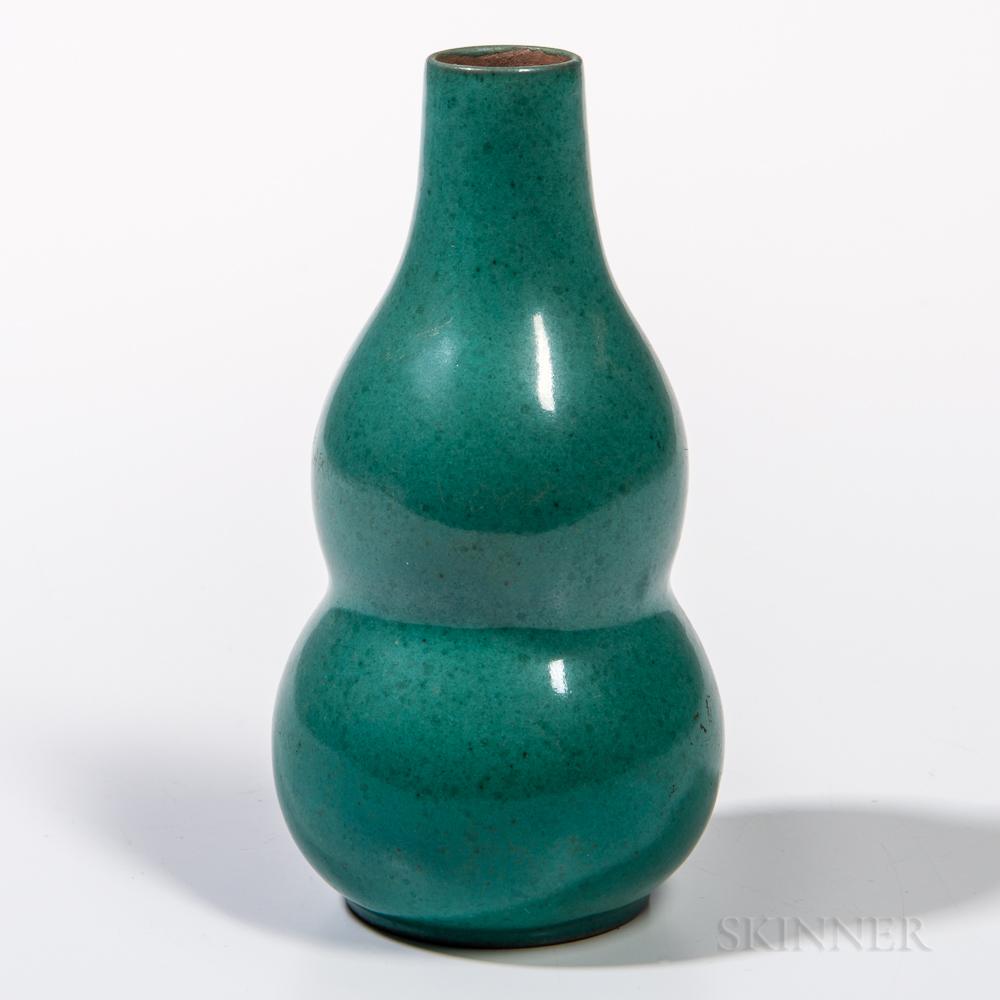 Small Mottled Green-glazed Double Gourd Vase