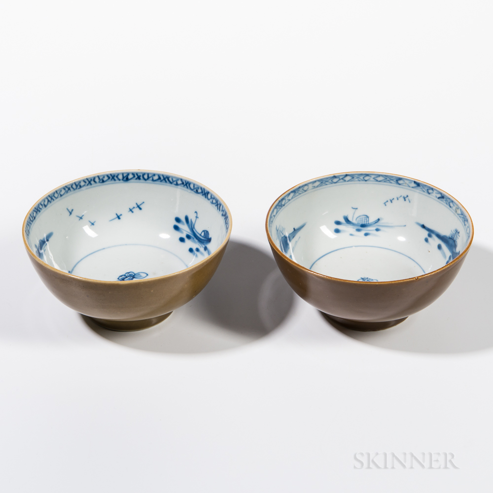 "Pair of ""Nanking Cargo"" Batavia Brown Bowls"