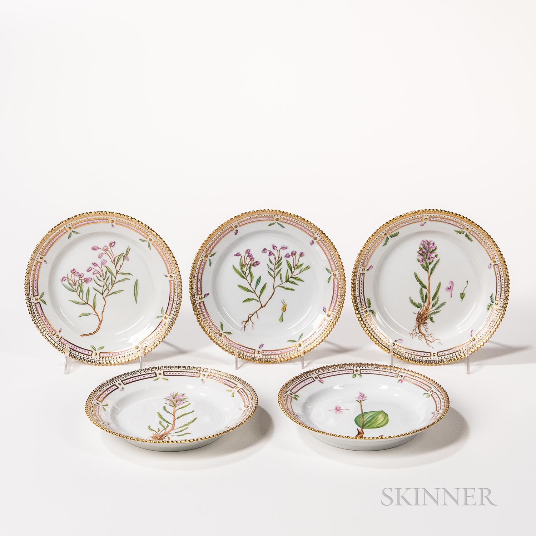 Nineteen Royal Copenhagen Flora Danica Plates