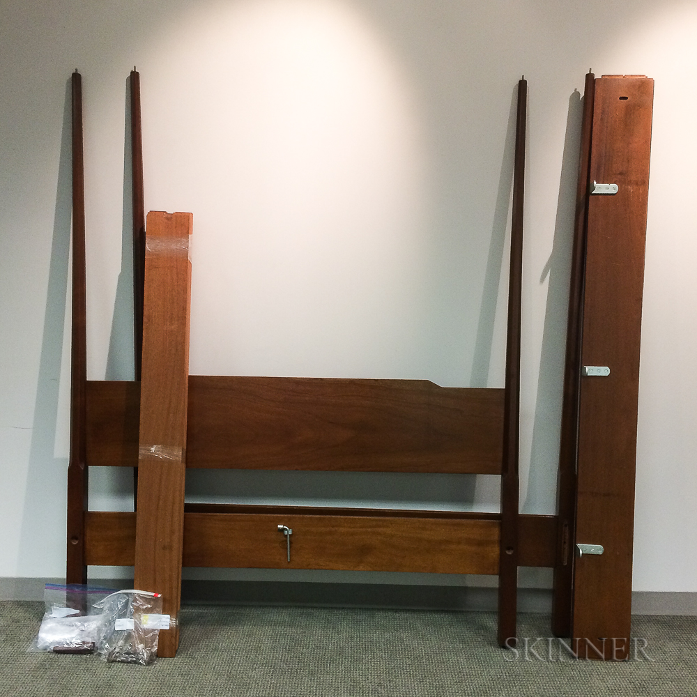 Biggs Federal-style Mahogany Four-post Bed